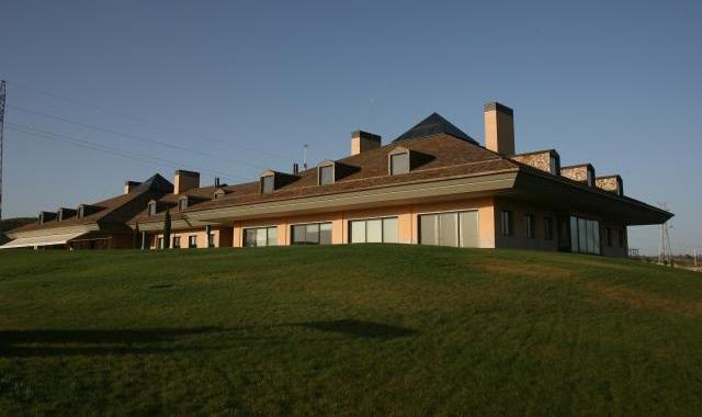 El Centro Nacional de golf, con el Banco de Alimentos